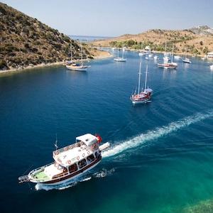 Bodrumda Tam Gün Yemekli Tekne Turu Keyfi