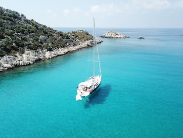 Kaş'da Yelkenli Tekne ile Yemekli Günlük Tur